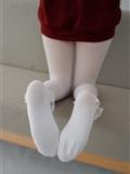 森萝财团 JKFUN-057 白丝套蕾丝花边短袜 Aika